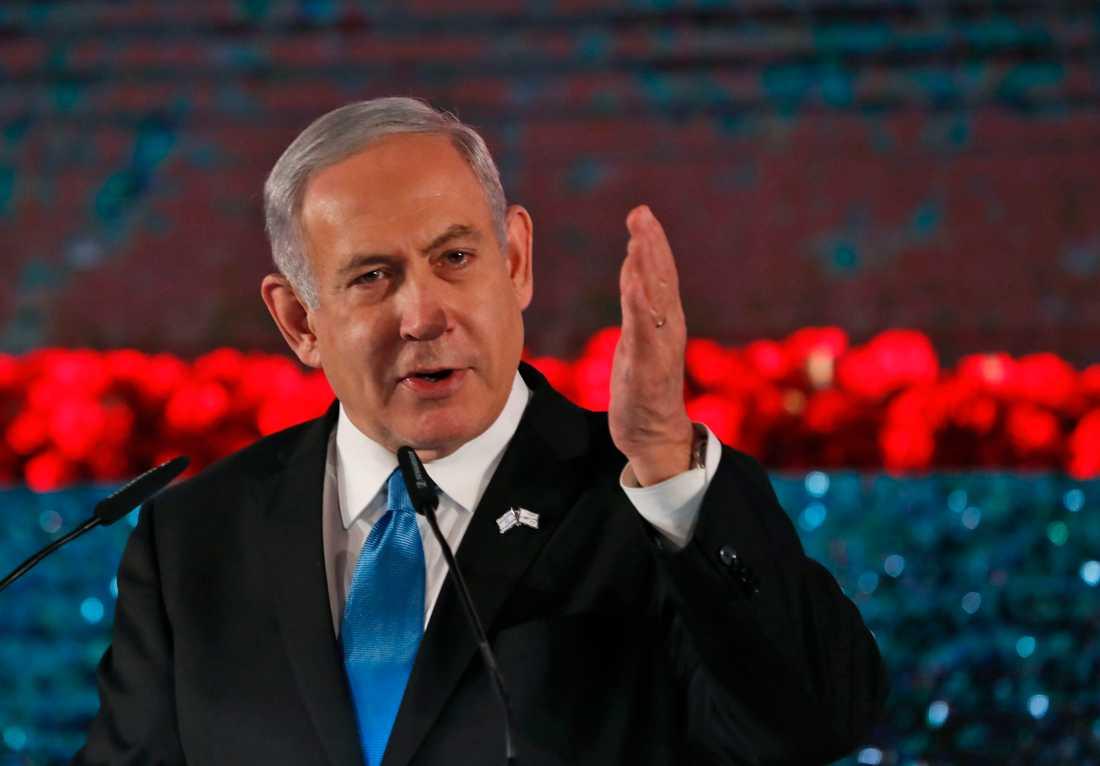 – Jag uppmanar alla regeringar att konfrontera Iran, sade Israels premiärminister Benjamin Netanyahu när World Holocaust Forum inleddes i dag.