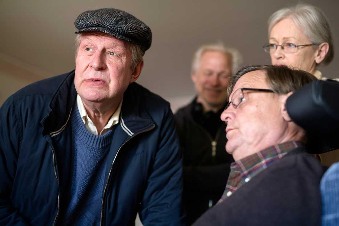 Börje Lundberg spelar Rune (i rullstol) och Catharina Larsson spelar Runes fru Anita.