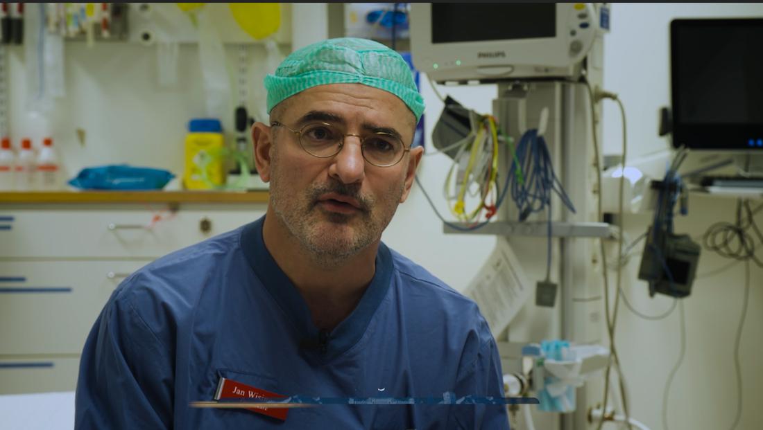 Jan Wisinger, överläkare på kirurgavdelningen på Västmanlands sjukhus Västerås, säger att Linnéas insats gjorde att de slapp dödförklara en 14-åring.