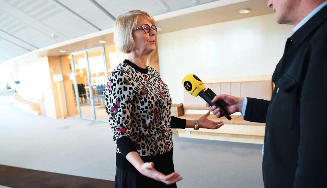 Moderaten Elisabeth Svantesson presenterar dagens överrenskommelse med Vänsterpartiet.