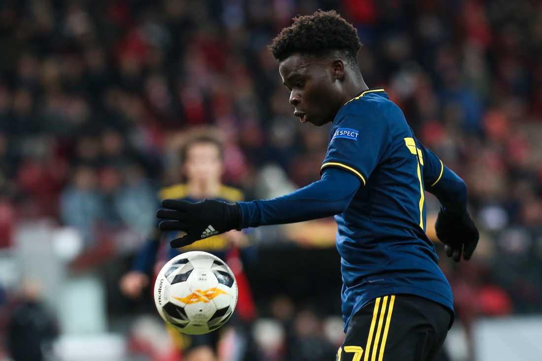 Arsenals Bukayo Saka låg bakom båda målen i upphämtningen till 2–2 mot Standard Liege.
