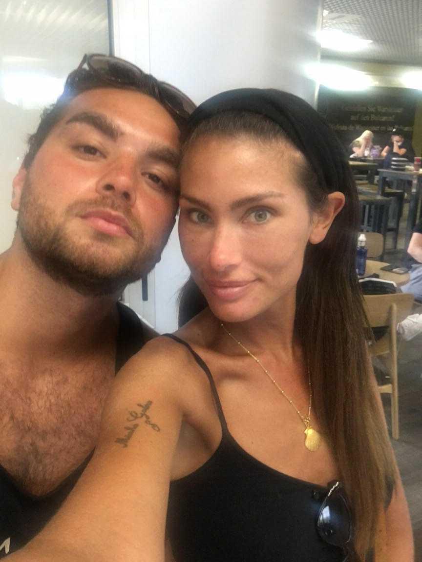 Sebastian Pereira och Ellinore Johansson är strandade på flygplatsen i Palma.