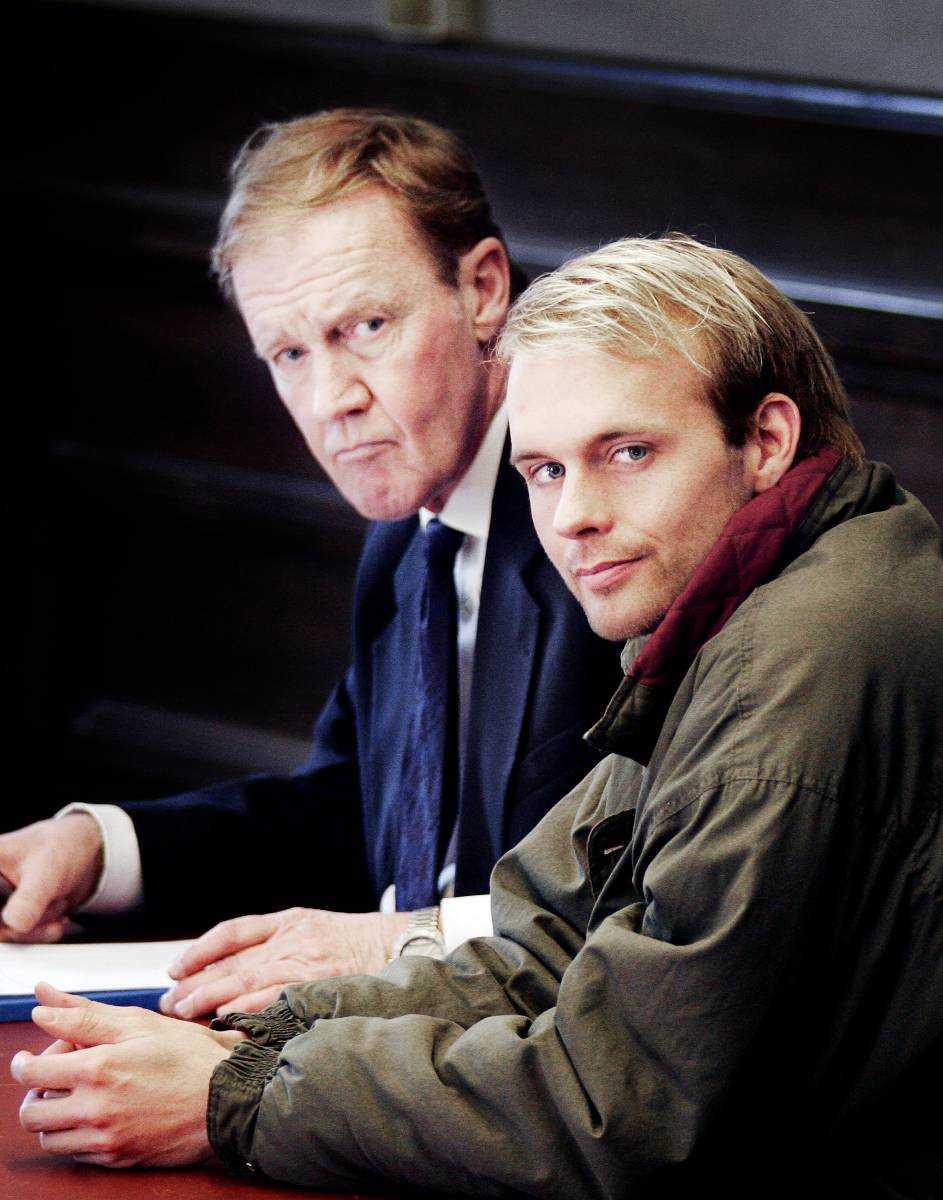 Janne Tuomela. Mördade sin sambo i bostaden i Enskede. Följande dag lämnade han barnen på dagis, styckade kroppen och sänkte delarna i en vak i en sjö utanför Nykvarn. Hon ville skiljas.  Dömd 2006