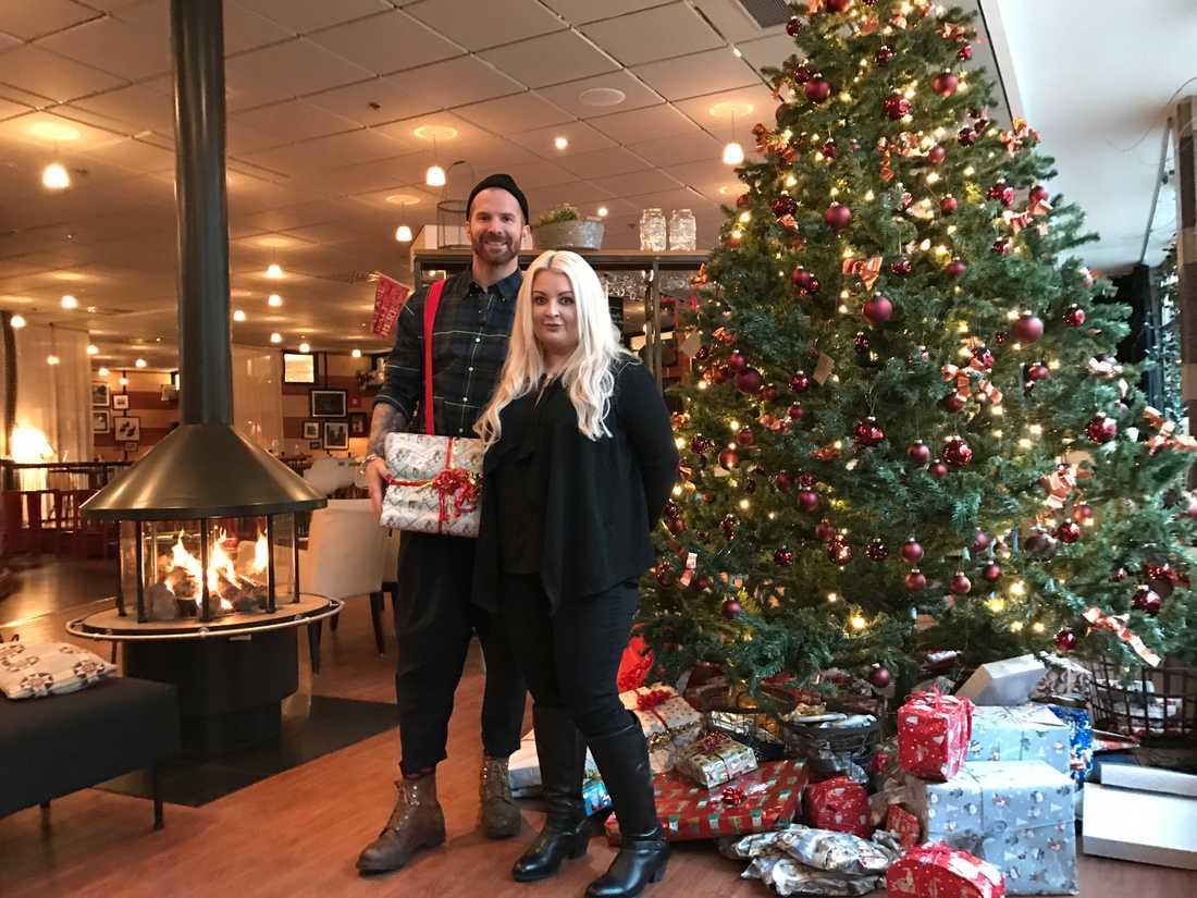 """Ge tillbakas"" programledare Peter Svensson möter Linda Hellquist som startat Giving People."