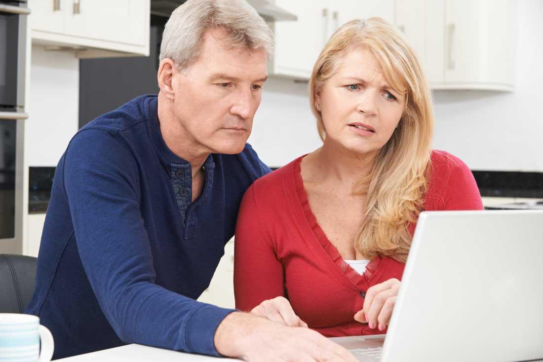 En av fyra svenskar oroar sig över pensionen, ofta helt i onödan. Det tjänar företag pengar på.