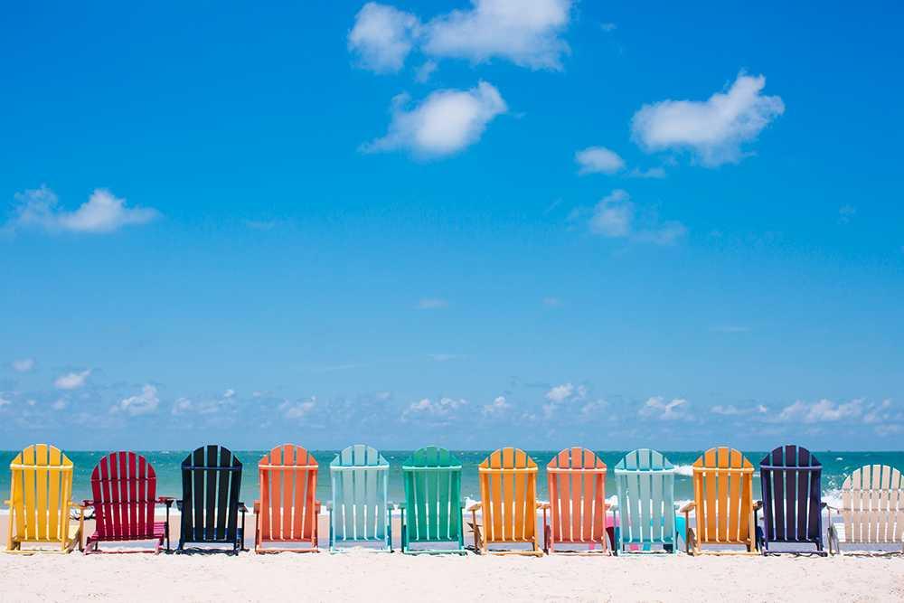 Billiga resor och gott om plats på stranden just nu.
