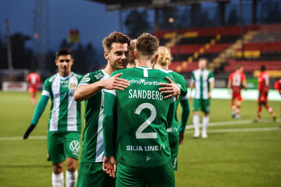 Alexander Kacaniklic jublar efter 2–0-målet