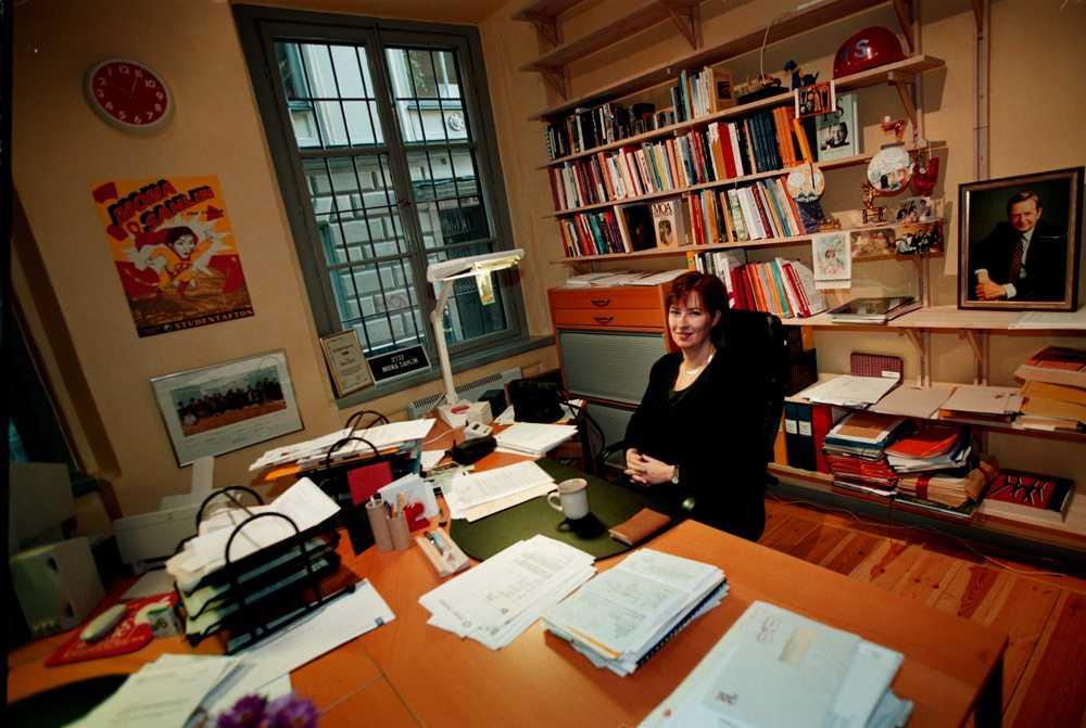 Mona Sahlins, före detta S-ledare, har det prydligt och ordnat i sitt arbetsrum.