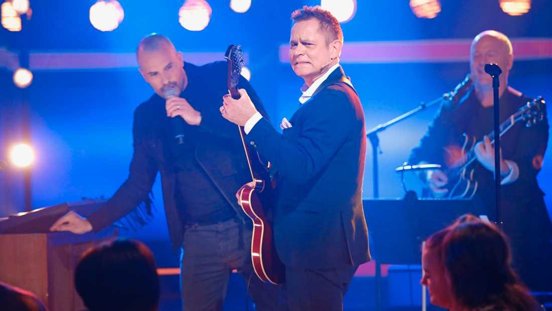 """Rickard Olsson och Martin Stenmarck kuppar i """"Bingolotto""""."""