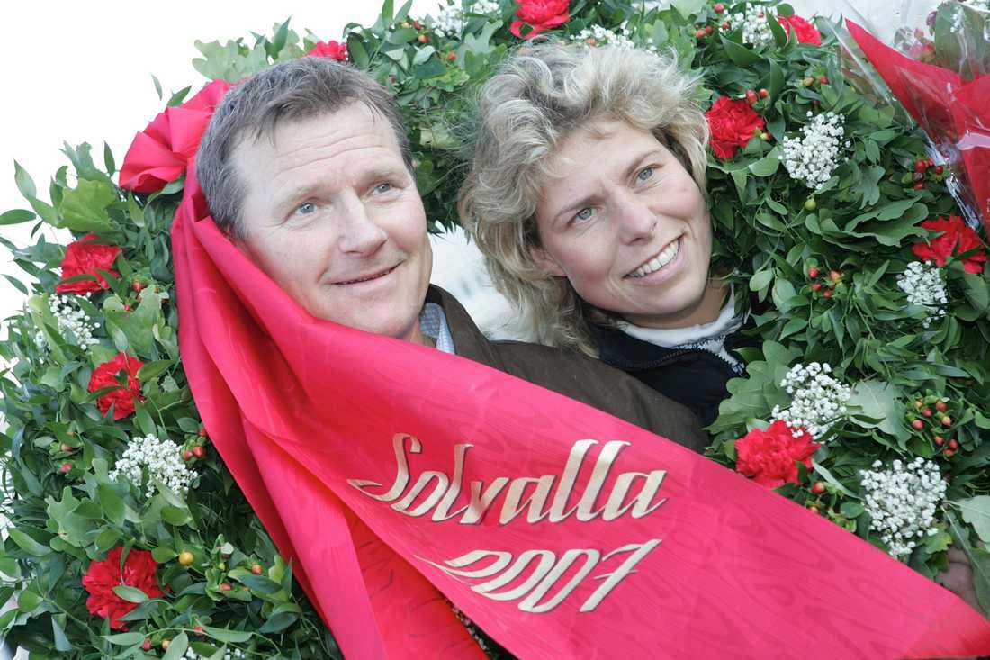Börje BS Johansson och Catrin Fajersson säljer sin klassiska hästgård