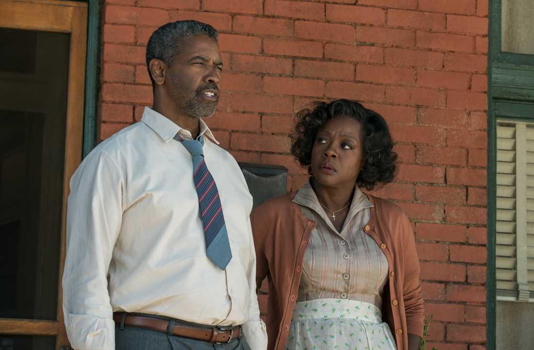 """""""Fences"""" med Denzel Washington och Viola Davis."""