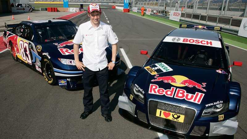 Mattias Ekström byter DTM-bilen till höger, mot en Nascarbil när han gör ett inhopp i den amerikanska serien.