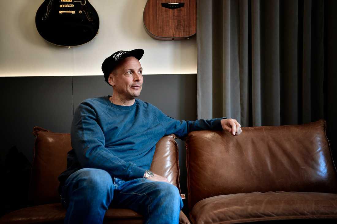 """Petter släpper i dag sitt nya album """"Varholmsgatan""""."""