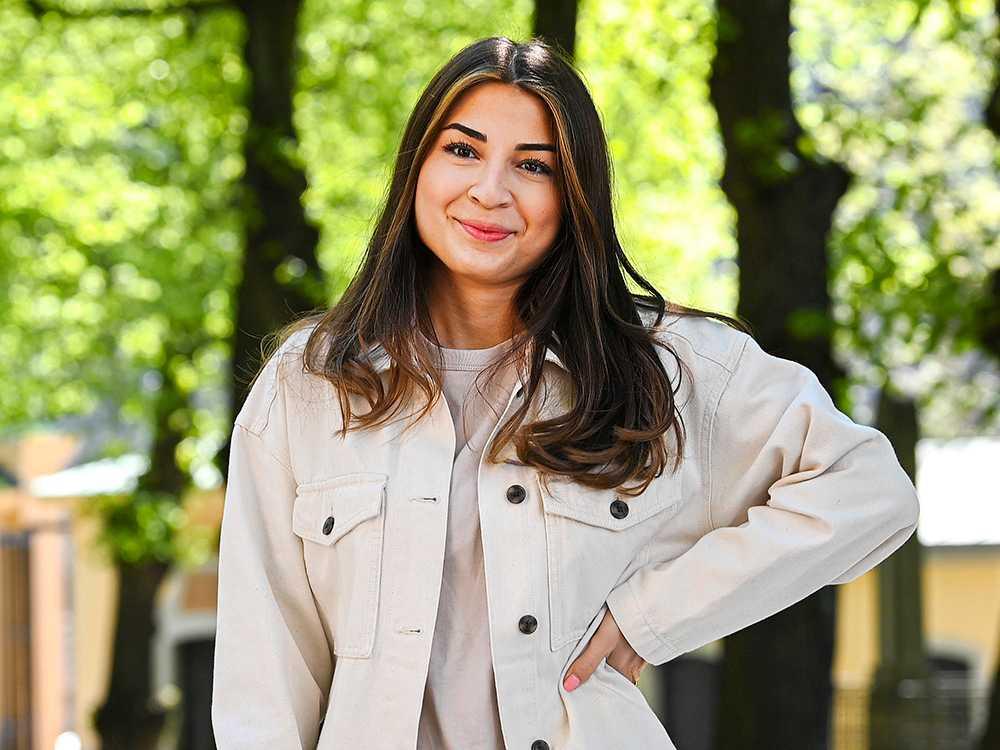 Semifinalisten i Sveriges mästerkock 2021, Ayla Canpunar, är aktuell med ny matlagningsserie på Godare.