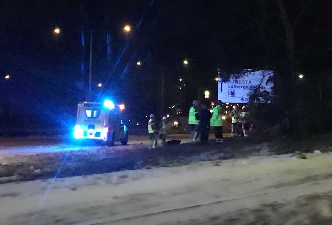 Natten till juldagen inträffade en bilolycka. Fem personer fick föras till sjukhus.