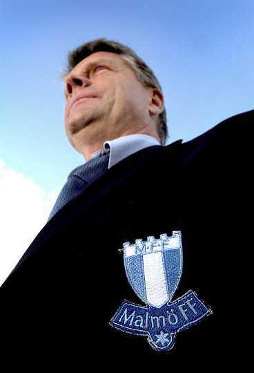 Premiärnerver? Hasse Borg börjar nog att känna lite nervositet av Malmö FF:s stora favoritskap i allsvenskan. Premiär på tisdag mot Hammarby på Söderstadion. Upp till bevis, MFF!