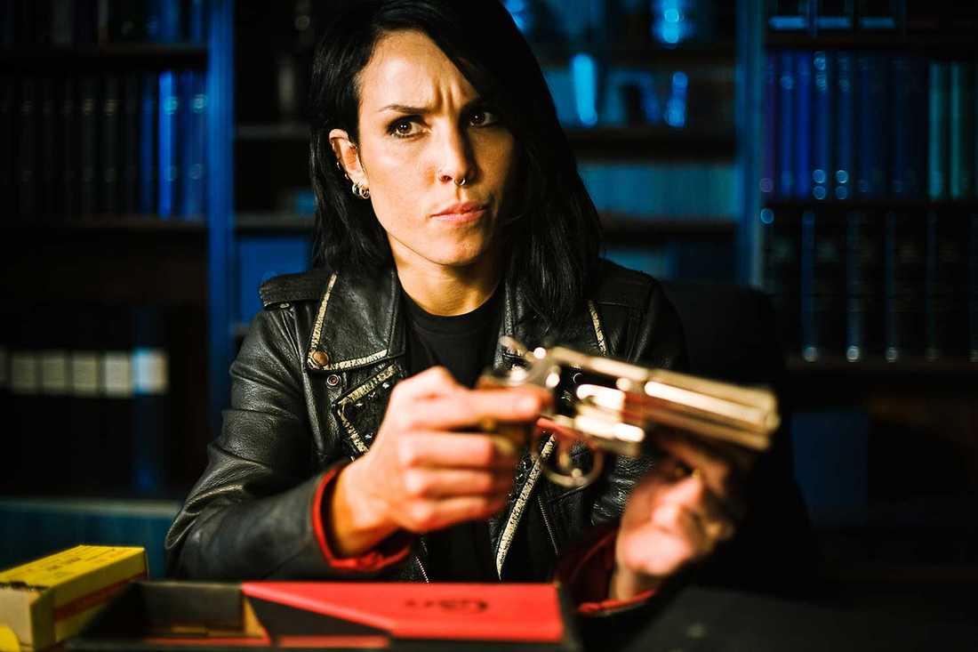 """Noomi Rapace i rollen som Lisbeth Salander i """"Flickan som lekte med elden""""."""