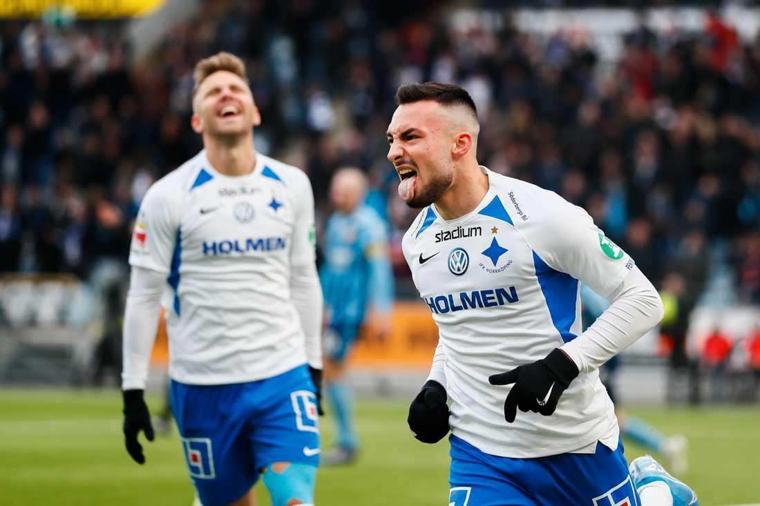 Sead Haksabanovic i IFK Norrköping firar under en allsvensk match i höstas.