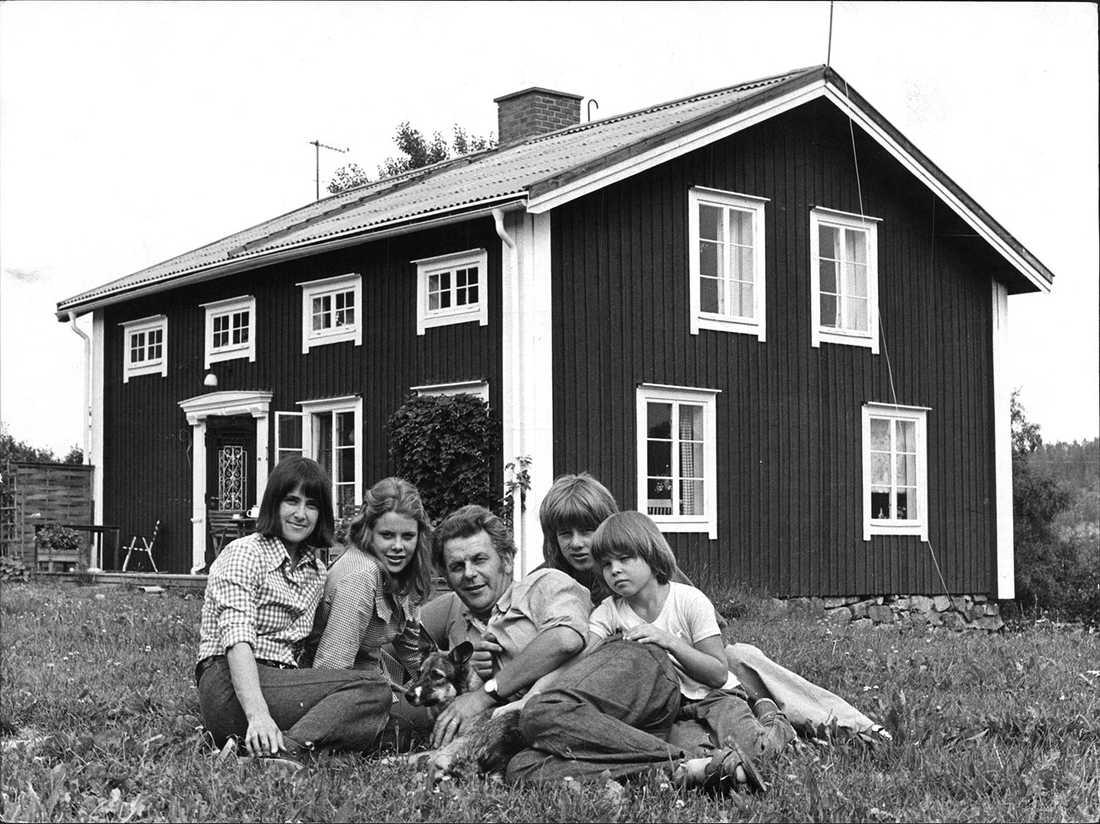 Fälldin med familjen 1973.