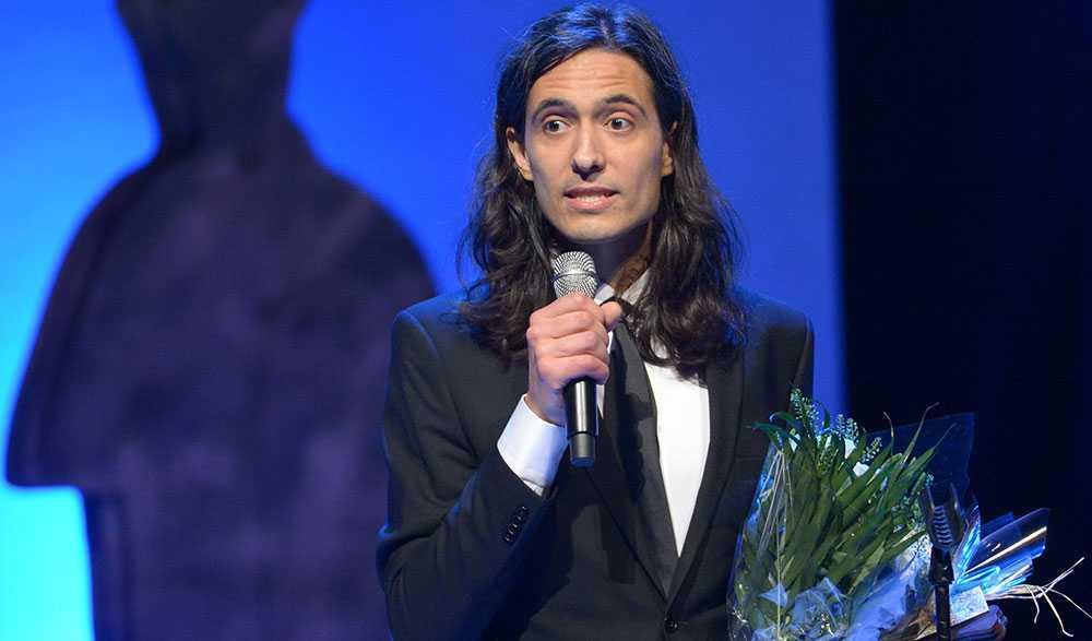 Jonas Hassen Khemiri tilldelas priset Årets svenska skönlitterära bok för 'Allt jag inte minns'
