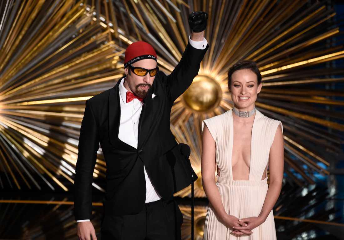 Som Ali G intog Baron Cohen scen och chockade publiken med grova skämt.