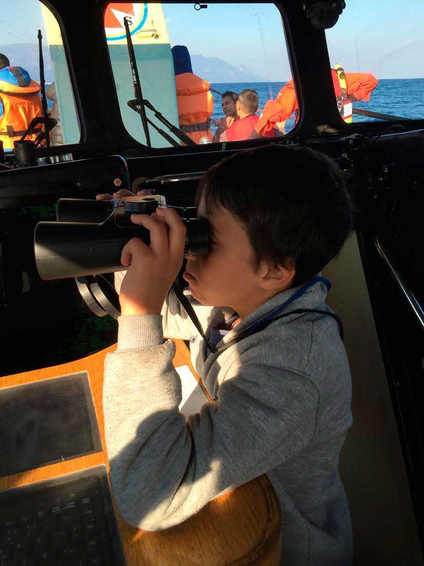 Ibrahim ombord på Gula båtarna.