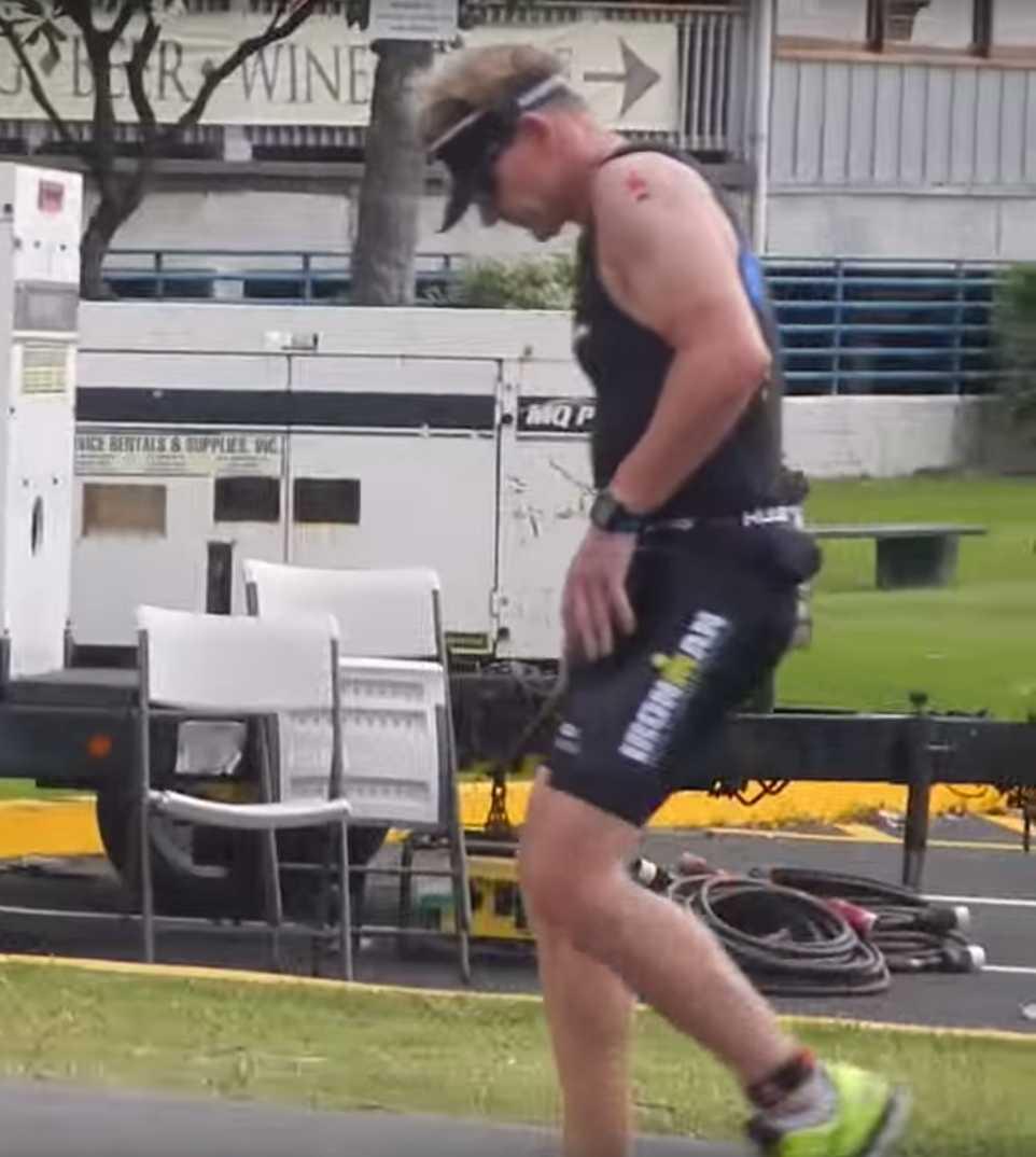 När Gordon Ramsay framgångsrikt klarat av simningen var det dags för cykling - men det blev för mycket.