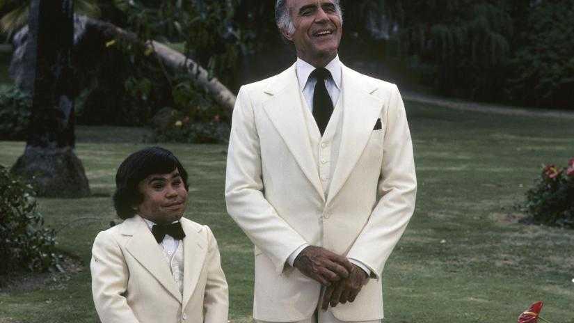 "Hervé Villechaize och Ricardo Montalban i tv-serien ""Fantasy island"" (1977–1984)."