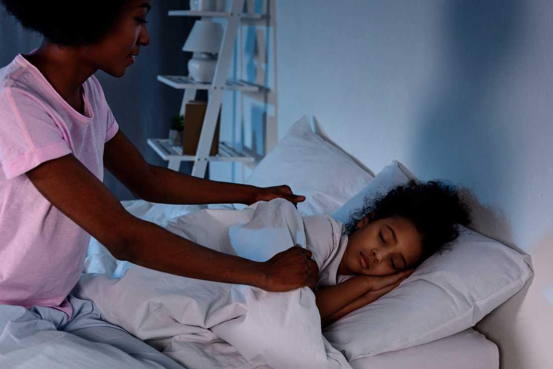 En mamma som tjafsar med sin fru om nattning av barnen har hört av sig för att få råd.