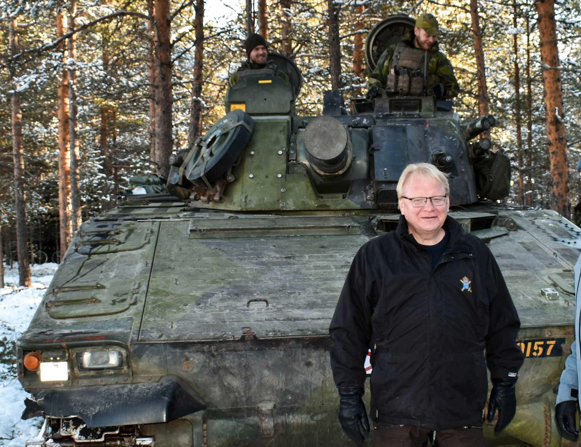 Försvarsminister Peter Hultqvist fanns på plats under den stora Nato-övningen Trident Juncture 18 i Norge. Arkivfoto.