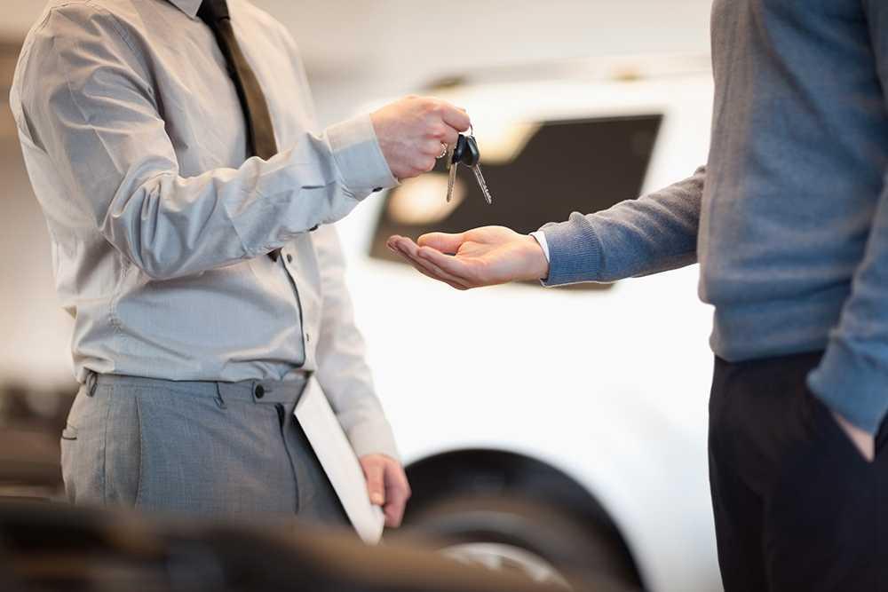 Det kan bli oväntat dyrt att hyra bil utomlands.