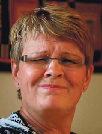Pinsamt, Maud  Vattenfall-pamparnas miljonfallskärmar är Maud Olofssons verk. Det är hon som har undertecknat nästan alla de avtal som blivit kända den senaste tiden.