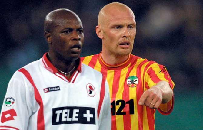 Sedan bar det av till sista proffsklubben ute i Europa, italienska Lecce, där Klas huserade under 2001.