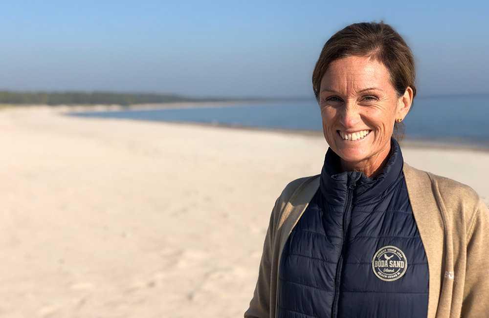 """Anna Barkevall är VD på Böda Sand Camping som lanserar """"champing"""" – charter och camping i ett."""