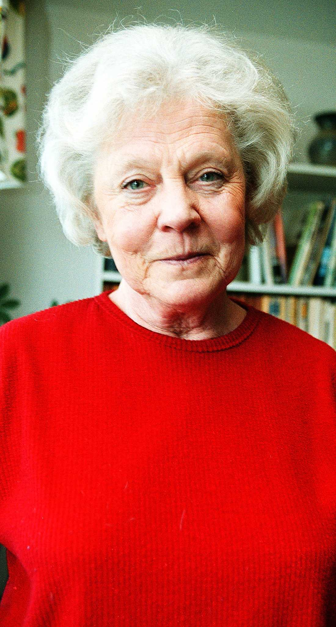 Alicia Lundberg, 77: Mamma till Johanna Hermann Lundberg. Var också programledare för Melodifestivalen 1973. Känd för sin lugna presentatörsstil. Gjorde också fler tv-program om bergsgorillorna i Rwanda.