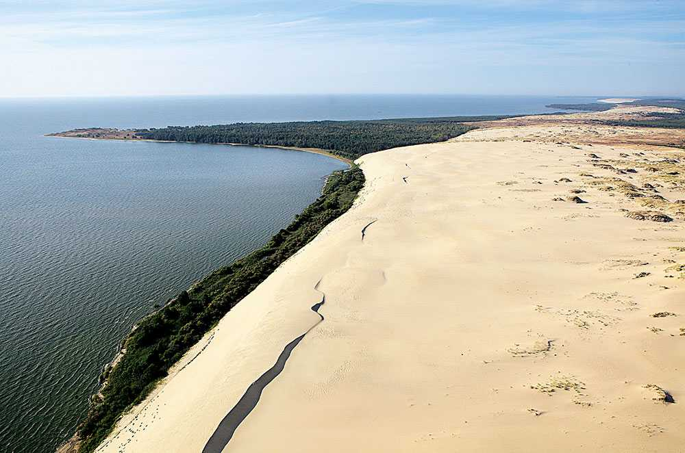Det Kuriska näset är känt som Östersjöns pärla och här hittar du en av Europas största sanddyner.