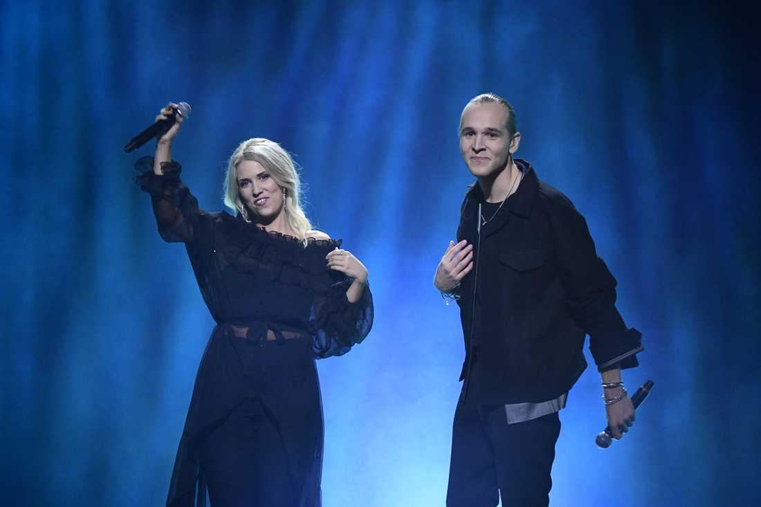 """Ellen Benediktson & Simon Peyron framför låten """"Surface"""" under fredagens genrep inför deltävling fyra av Melodifestivalen i Malmö Arena i Malmö."""