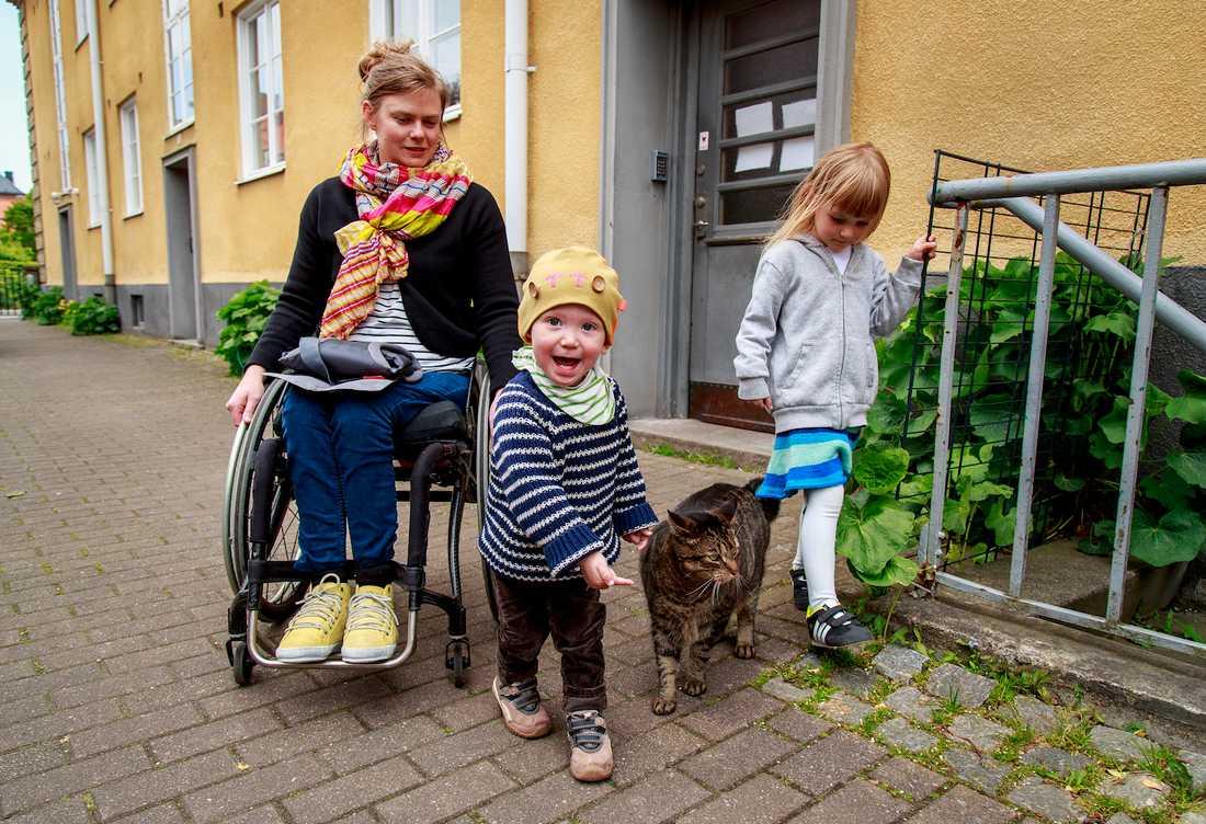 """Anna Oredsson var en av initiativtagarna till projektet """"Mamma pappa lam"""" som informerar om ryggmärgsskadad, förlossning, graviditet och föräldraskap."""