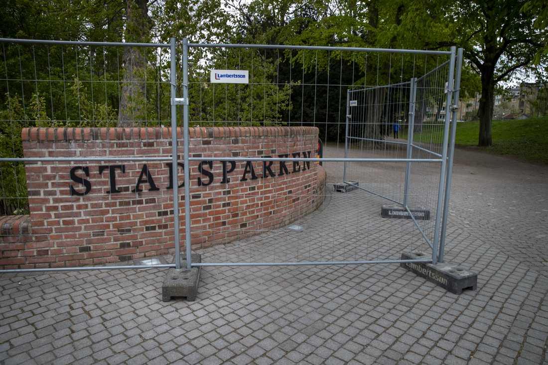 Stadsparken i Lund under Valborg 2020. I år inför man tillfälligt vistelseförbud i bland annat stadsparken för att undvika smittspridning.