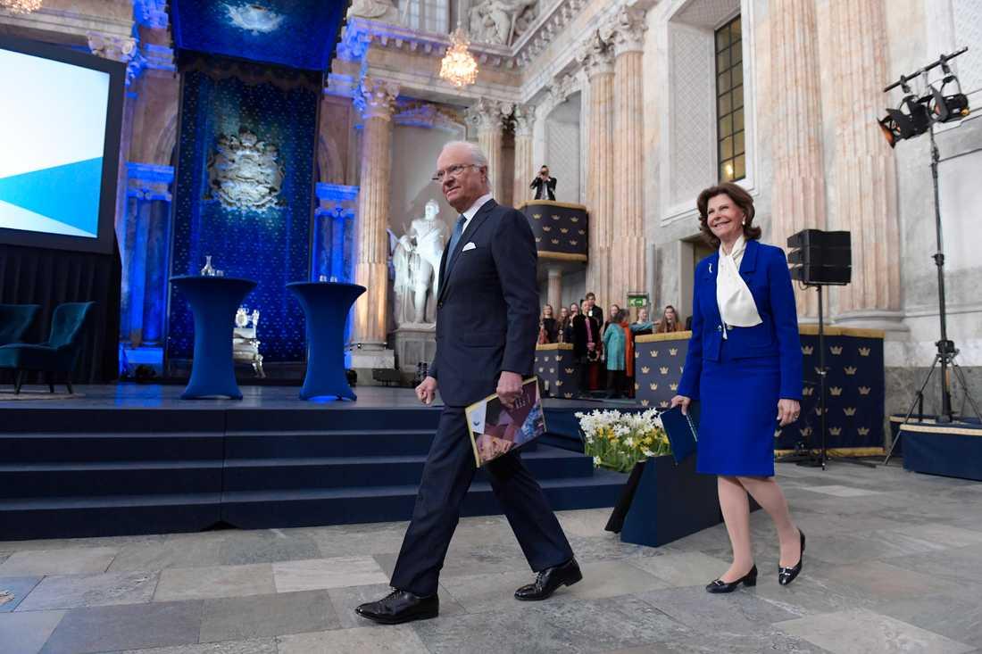 Kung Carl Gustaf överväger att se över de stadgar som styr Svenska Akademiens arbete. Här Global Child forum i Rikssalen på Stockholms slott på onsdagsmorgonen.