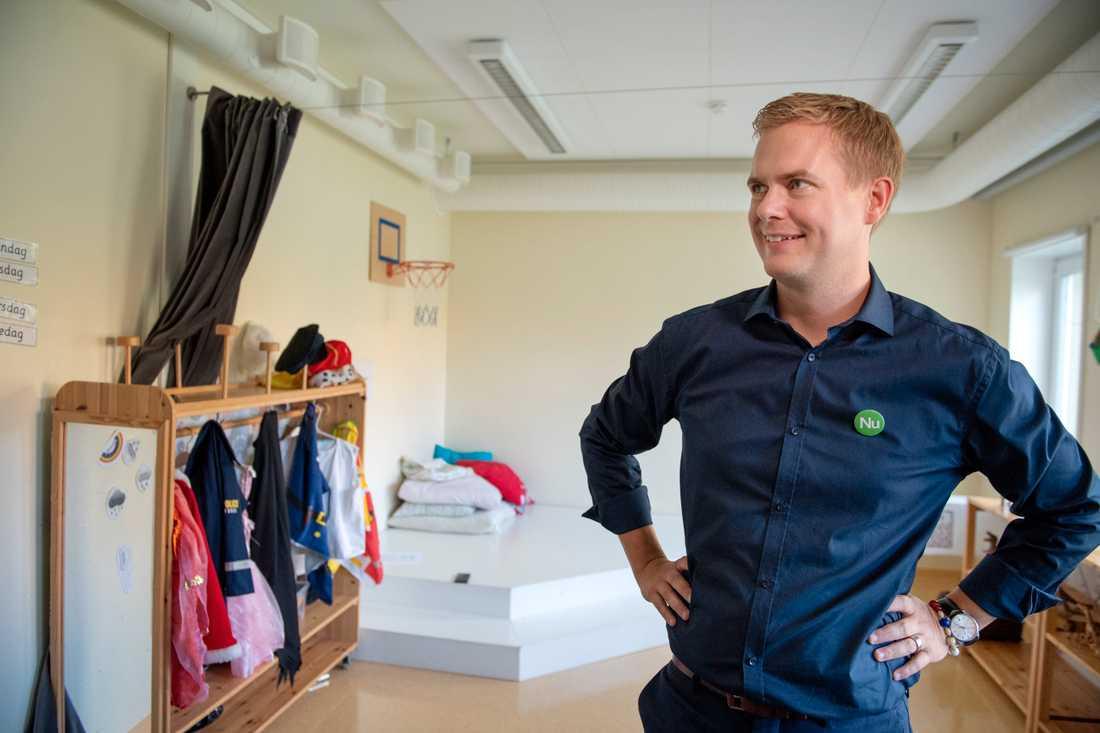 Utbildningsminister Gustav Fridolin (MP) på förskolan Äventyret i Stockholm, där han presenterade förskolans nya läroplan.