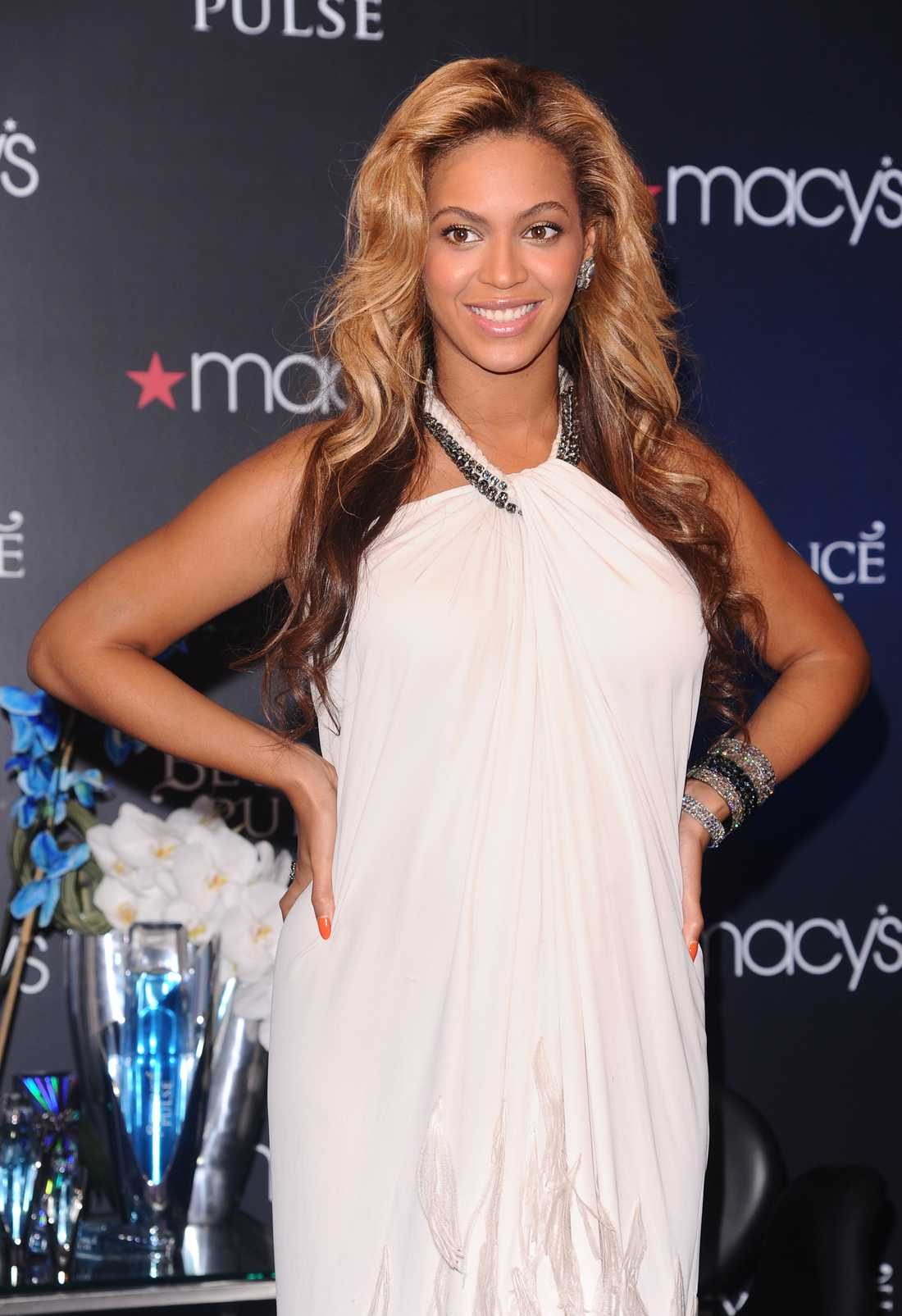 "Den 22 september lanserade Beyoncé sin nya doft ""Pulse"" på Macy's i New York."