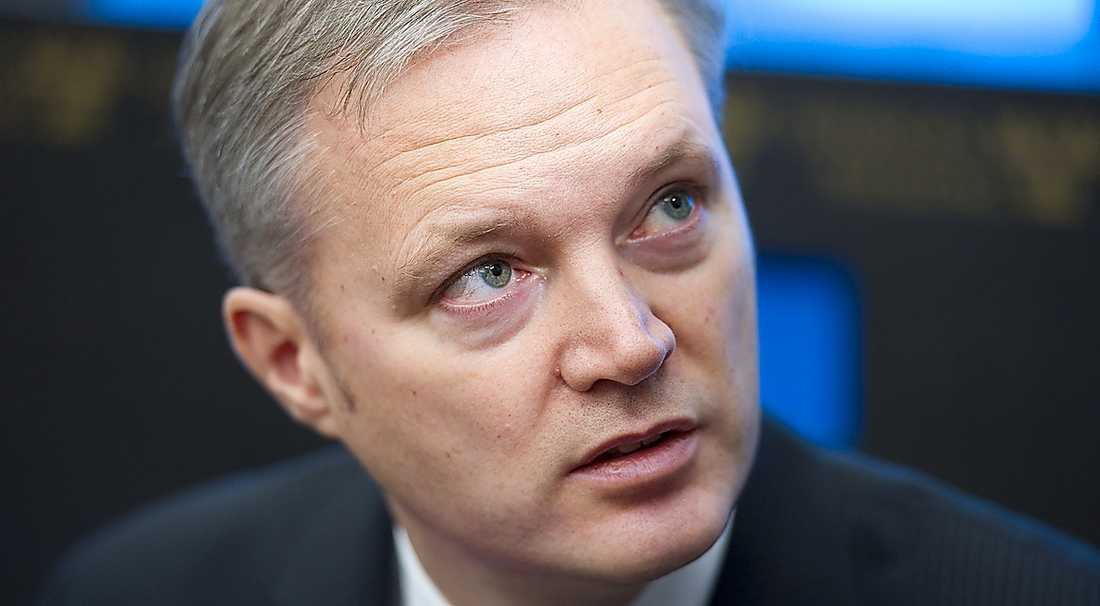 ensam Under försvarsminister Sten Tolgfors tid har politiken tappat folklig förankring.