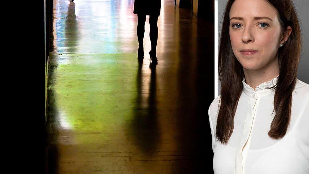 Om vi på riktigt ska komma till rätta med problemet måste män förändra sitt beteende och sluta köpa sex. Utan sexköpare, ingen människohandel och prostitution. Så enkelt är det, skriver Åsa Lindhagen, jämställdhetsminister (MP).
