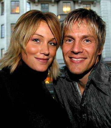 """Jessica Andersson och Magnus Bäcklund kommer från """"Fame factory""""."""