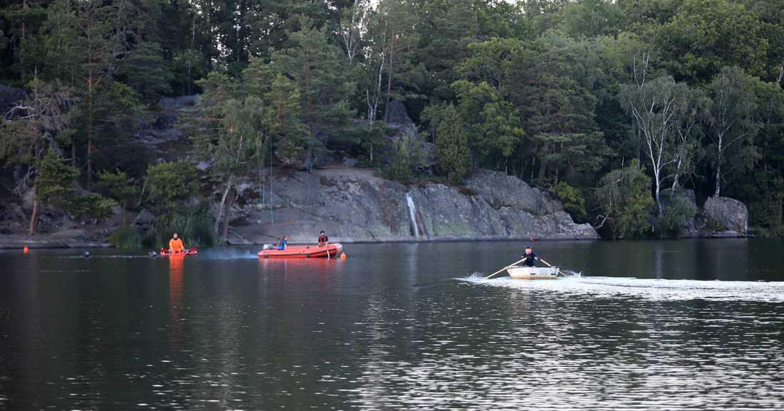 20-åringen drunknade vid Sundbybadet i Huddinge, söder om Stockholm.