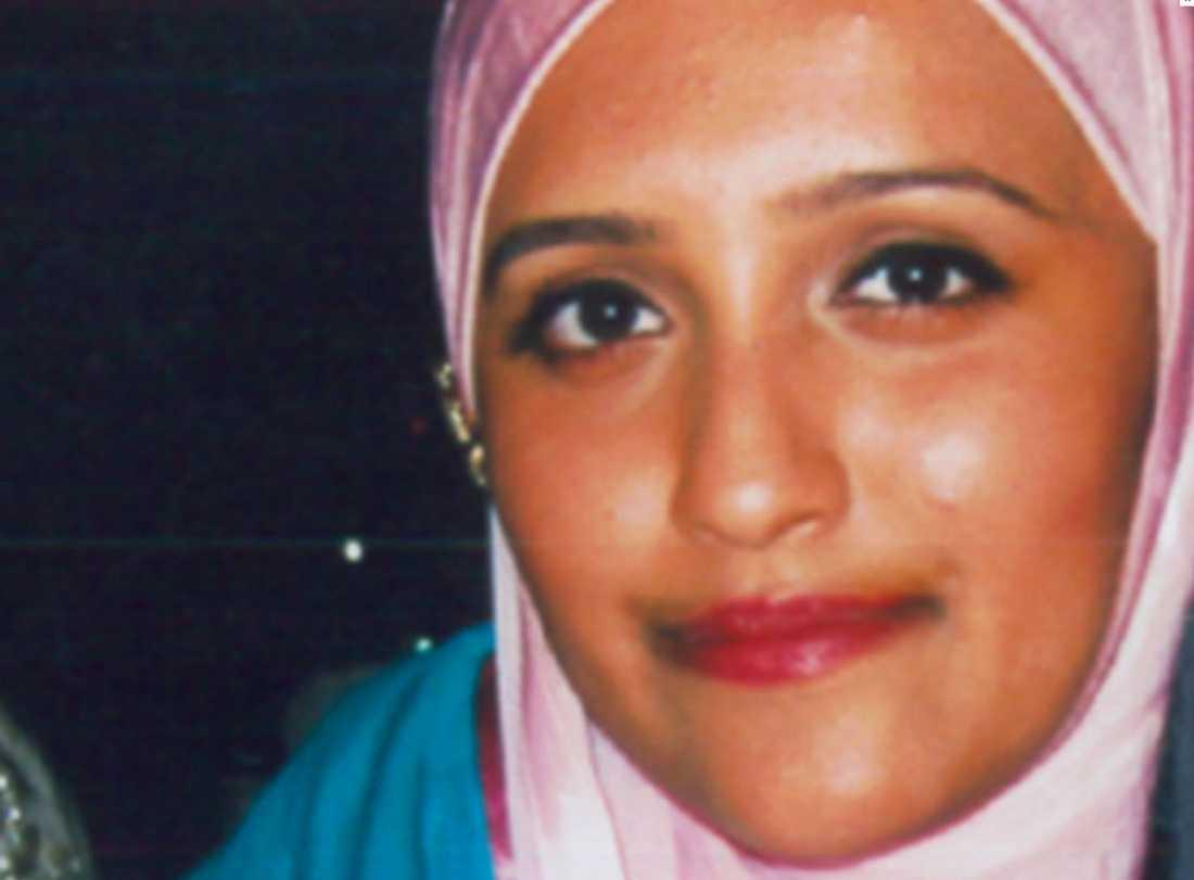Aqsa Mahmood pekat ut av familjen som den som lockat flickorna till Syrien.