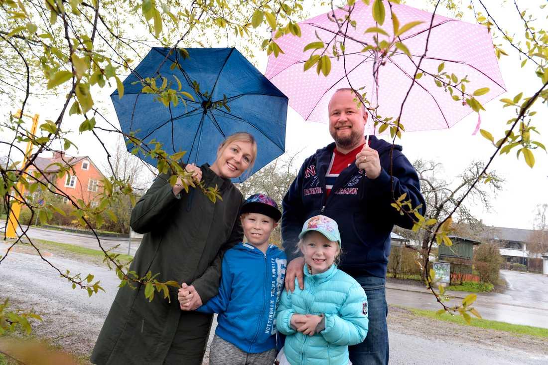 Anders Tuvgren var tillsammans med exfrun Amanda och barnen Herman och Svea med i Aftonbladet våren 2016.