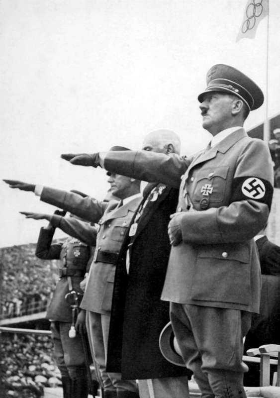 Adolf Hitler under de olympiska spelen i Berlin år 1936.