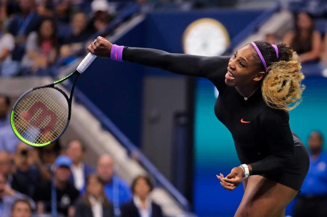 Serena Williams är klar för semifinal i US Open.
